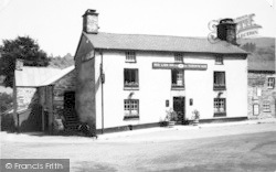 Dinas Mawddwy, The Red Lion Inn c.1960