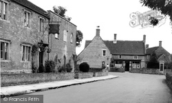 The Village c.1960, Ditcheat