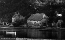Cottages By The River Dart 1925, Dittisham