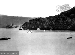 River Dart 1927, Dittisham