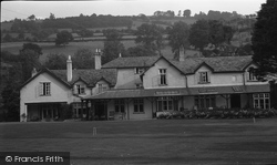 Dolywern, The Queen Hotel 1949