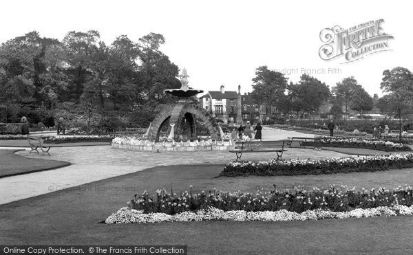 Photo of Doncaster, Elmfield Park c.1955