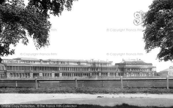 Photo of Doncaster, Racecourse And Grandstand 1900