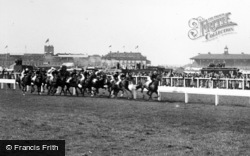 Doncaster, Racecourse, The St Leger c.1955