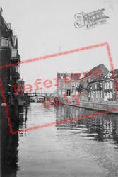 Canal c.1930, Dordrecht