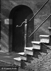 Steps c.1930, Dordrecht