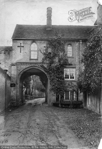 Photo of Dorking, Rose Hill Archway 1905