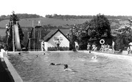 Dorking, the Watermill Swimming Pool c1965