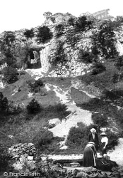 Reynards Cave 1914, Dovedale
