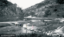Stepping Stones 1914, Dovedale