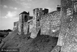 Dover, Castle c.1960