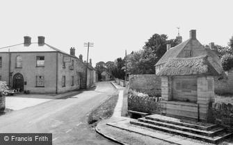 Drayton, Village and War Memorial c1955