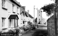 Drewsteignton, The Village c.1950