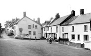 Drewsteignton, the Village c1960