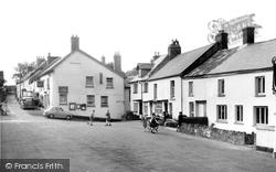Drewsteignton, The Village c.1960