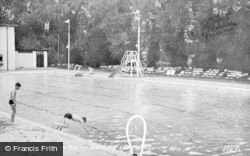 Droitwich Spa, Brine Baths Bathing Lido c.1955