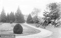 Droitwich Spa, Brine Baths Park c.1935