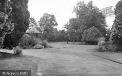 Droitwich Spa, Brine Baths Park c.1955