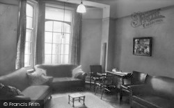 Droitwich Spa, Highfield Hospital, The Smoke Room c.1960