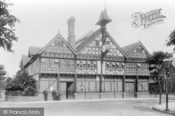 Droitwich Spa, Salters Hall 1904