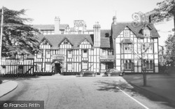 Droitwich Spa, The Raven Hotel c.1960