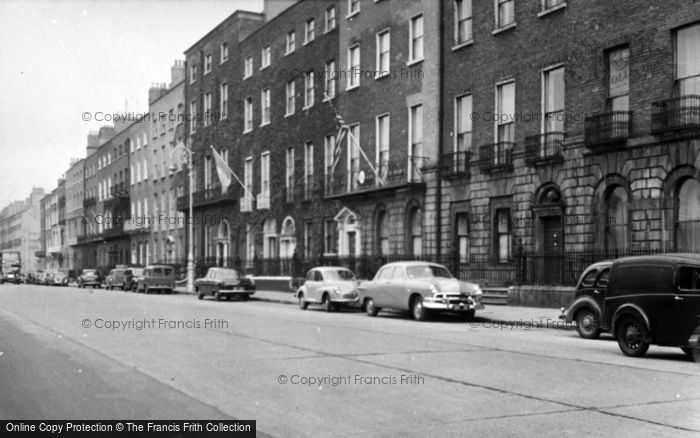 Photo of Dublin, Merrion Square c.1957