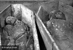 'mummies' In The Vaults, St Michan's Church 1890, Dublin