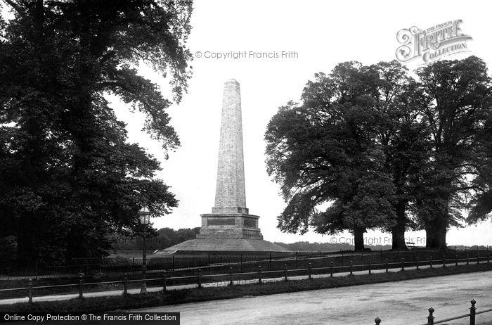 Photo of Dublin, Phoenix Park, Wellington Monument 1897