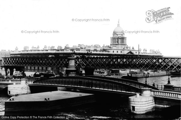 Photo of Dublin, The Bridges And Custom House 1897