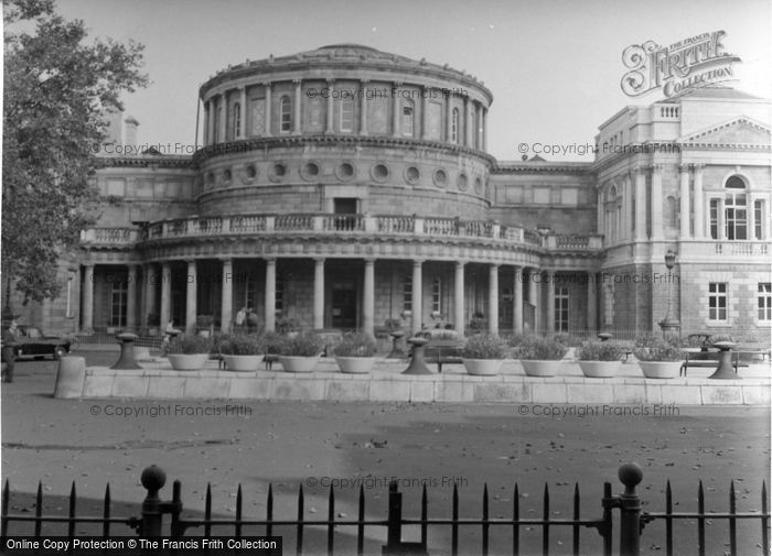 Photo of Dublin, The National Library 1957