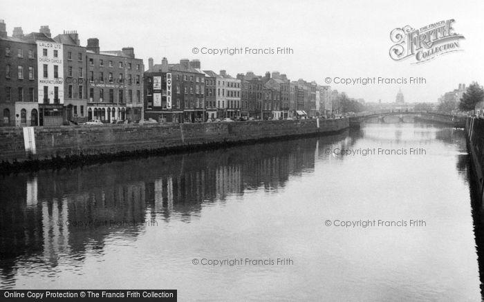 Photo of Dublin, The Quays 1957