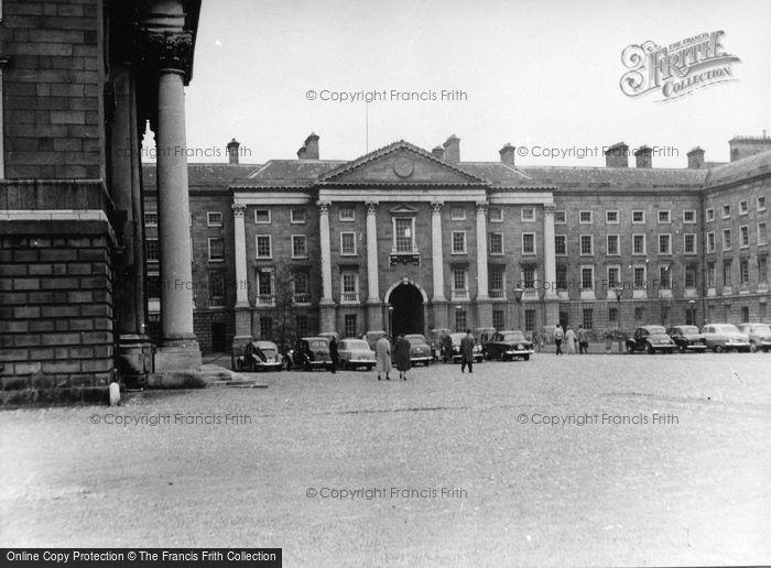 Photo of Dublin, Trinity College 1957