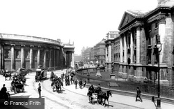 Dublin, Trinity College And The Bank Of Ireland 1897