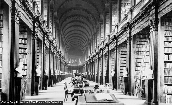 Photo of Dublin, Trinity College Library 1897