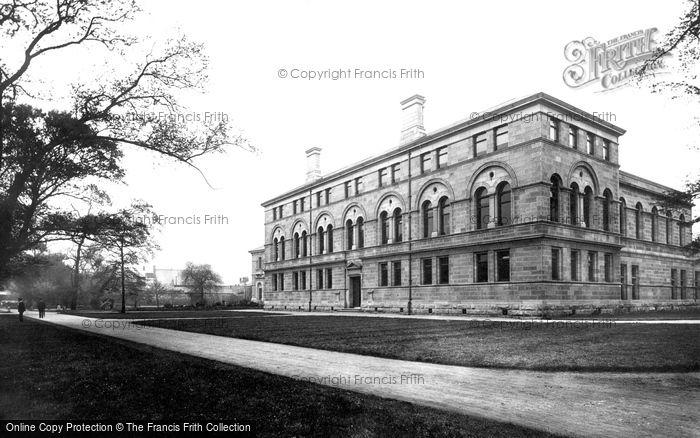 Photo of Dublin, Trinity College, Medical School 1897
