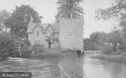 The Fish House c.1955, Ducklington