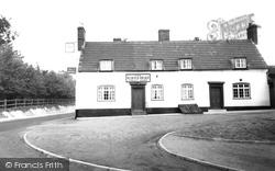 Dullingham, King's Head c.1955