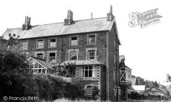Dulverton, Carnarvon Arms Hotel c.1960