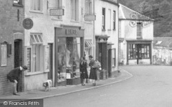 Dulverton, Mainerd's Hairdresser 1937