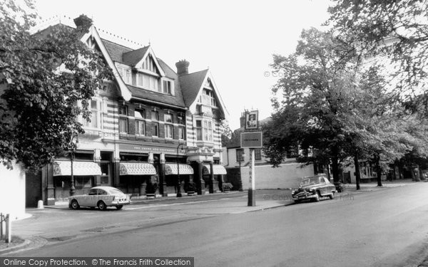 Photo of Dulwich, the Crown and Greyhound c1965