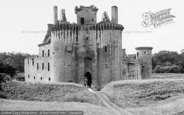 Photo of Dumfries, Caerlaverock Castle 1951