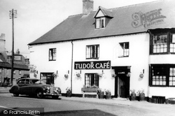 Dunchurch, Tudor Cafe c.1955