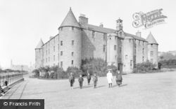 Dundee, Dudhope Castle 1906