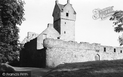 Mains Castle 1950, Dundee