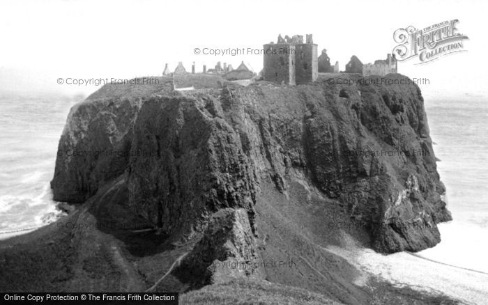 Dunnottar Castle photo