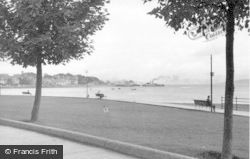 Dunoon, The Clyde From The Putting Green c.1955
