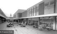 Dunstable, Broad Walk c1965