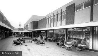 Dunstable, Broad Walk c1965