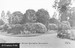Dunstable, Grove House Gardens 1958