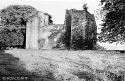 1952, Duntarvie Castle